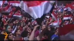 Масовни протести и контра-протести во Египет