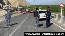 На границе Кыргызстана и Таджикистана. Баткенская область. 29 апреля 2021 года.