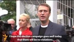 Candidates Navalny, Sobyanin Cast Votes