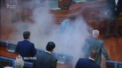 Kosocvo parlamentində ğözyaşardıcı qaz atdılar