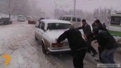 Heavy Snow Disrupts Air, Road Traffic In Armenia