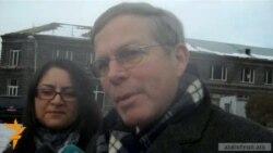 ԱՄՆ դեսպանը հույս ունի Գյումրիից գնացքով մեկնել Կարս