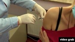 Колкав ќе биде интересот за трета доза вакцина?