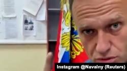 Принтскрин од видеото од Навални во судница во градот Кимки што го објави портпаролката на Налавни, Кира Јармиш