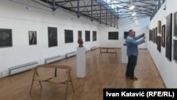 """Izložbu """"Galerija entuzijazma"""" čini više od 300 slika, skulptura, grafika i crteža najpoznatijih bosanskohercegovačkih umjetnika"""