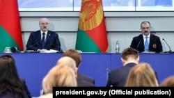 Аляксандар і Віктар Лукашэнкі на алімпійскім сходзе, 26 лютага