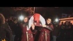 Цела Надара Кумарыташвілі прывезьлі ў Тбілісі