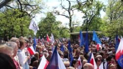 warsaw-demonstration-in-support-of-constitution