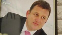 «Вони не захотіли, щоб тато працював». Як живе сім'я арештованого журналіста Владислава Єсипенка (відео)