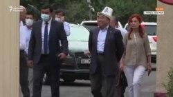Қырғызстанның бұрынғы президенті Асқар Ақаев Бішкекке келді