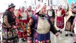 """""""Ләйсән"""" ансамбле Урал татарлары иҗатын таныта"""