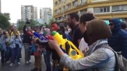 Заев гаѓа со боја на протестите