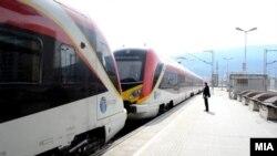 Воз на Македонски Железници Транспорт. Земјите од Балканот, вклучително Македонија, најавија модернизација на железниците и експресни возовои меѓу градовите.