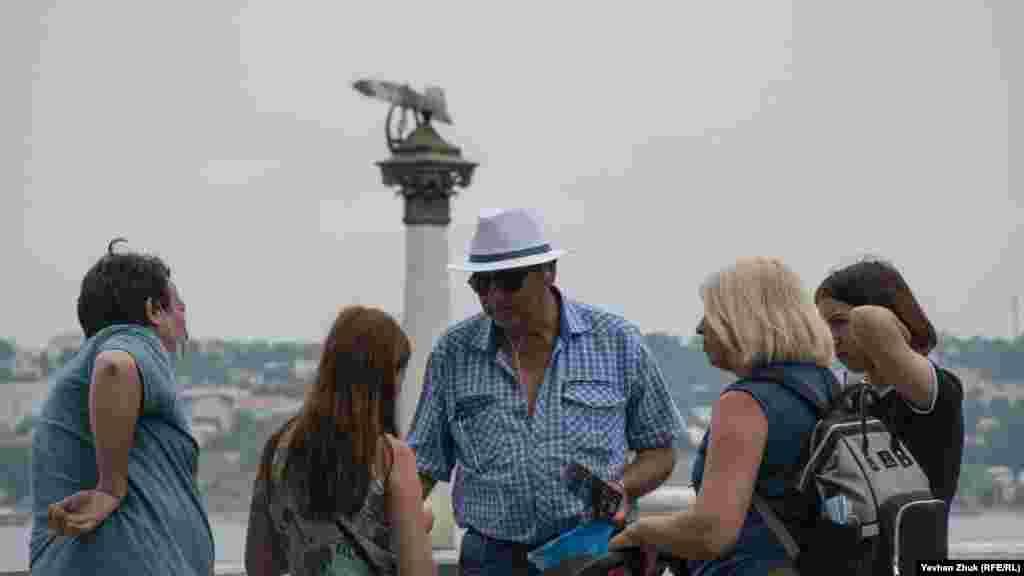 Екскурсія біля Пам'ятника затопленим кораблям