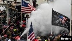 Беспорядки у здания Капитолия в Вашингтоне, США. 6 января 2021 года.