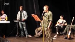 """Камал театрында """"Ку"""" премьерасына әзрләнү"""