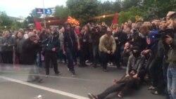 Шарената револуција ги обои МНР и Собранието, Владата куртули