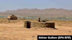 Пакистанские военные оттеснили исламистских военных из их тайников в горах рядом с афганской границей