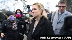 Navalny's personal doctor Anastasia Vasilyeva at the entrance of the penal colony where Aleksei Navalny is being held
