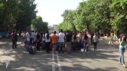 Yerevanda, Baghramyan prospektində etiraz edənlərin sayı azalır