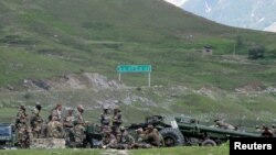 یک پوسته امنیتی نیروهای هندی