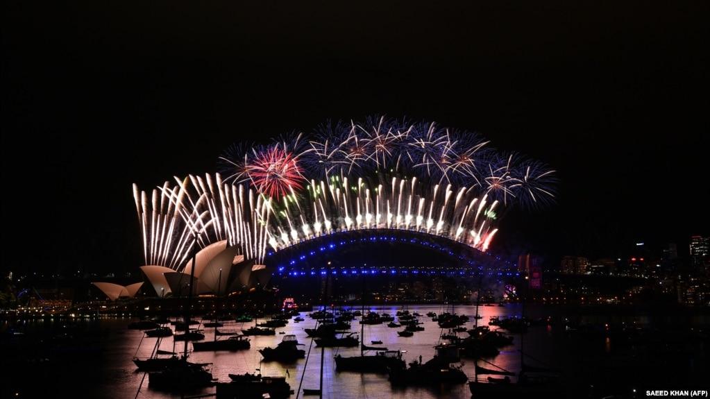 Новогодний фейерверк в Австралии
