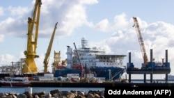 Российское трубоукладочное судно Академик Черский в немецком порту Мукран на острове Рюген в Балтийском море, 7 сентября 2020 г.
