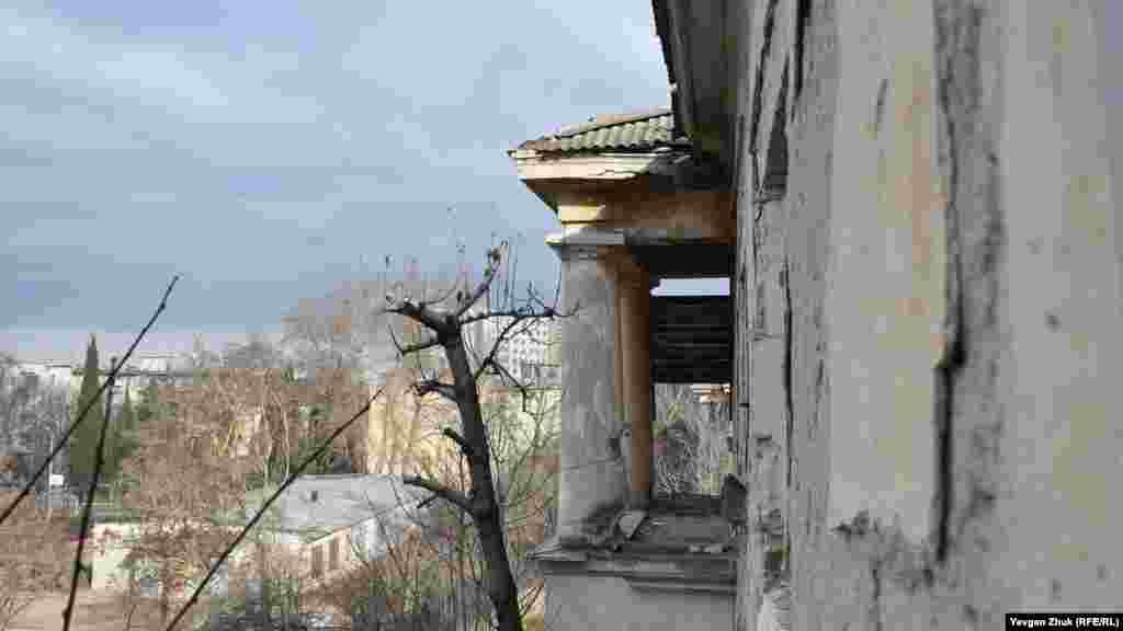 Вид из окна на школу №19