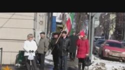 ТИҮ әгъзалары татар телен яклап пикет үткәрде