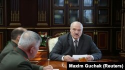 Белорускиот претседател Александар Лукашенко се состана со државните службеници за безбедност во Минск, Белорусија, 27 септември 2021 година