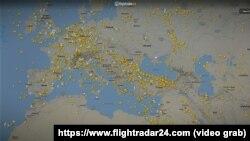 Сайт Flightradar, мапа повітряного простору над Україною