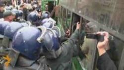 В центре Баку задержаны более ста оппозиционеров
