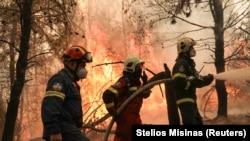 Potrivit autorităților de la Atena, Grecia trece prin mare catastrofă ecologică din ultimele decenii.