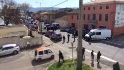 У супермаркеті на півдні Франції невідомий захопив заручників (відео)