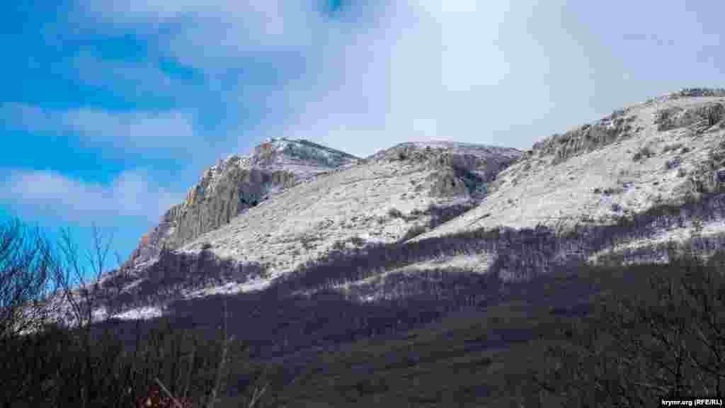 Чатыр-Даг со снегом