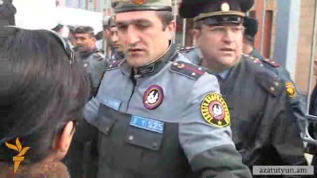 Ակցիա Հայաստանում հավատարմագրված 4 դեսպանատների առջեւ