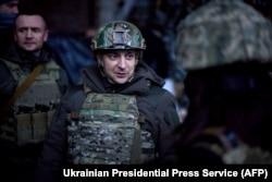Владимир Зеленский во время поездки в прифронтовые районы Донбасса, февраль 2021 года