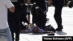 Англичанин Эндрю Беч после нападения футбольных фанатов из России, Марсель, 11 июня 2016 года