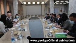 Жолугушууга маданият министри Кайрат Иманалиев жана JICAнын Кыргызстандагы өкүлү Немото Наоюки катышты.