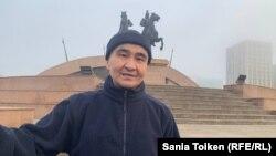 Макс Бокаев на площади Исатая и Махамбета в Атырау в день освобождения. 4 февраля 2021 года.
