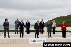 Главы стран-членов Большой семерки и Евросоюза перед началом саммита G-7 в Великобритании 11 июня 2021 года