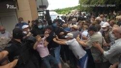 Чорнобильці проти COVID-19. У Харкові активісти заблокували лікарню (відео)