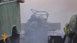 Ukrainian Paramilitaries Battle Separatists Near Donetsk