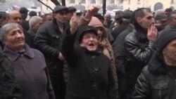 Работники завода «Наирит» требуют встречи с премьер-министром