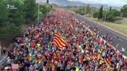 «Марш свободи». Тисячі каталонців колонами йдуть на Барселону – відео