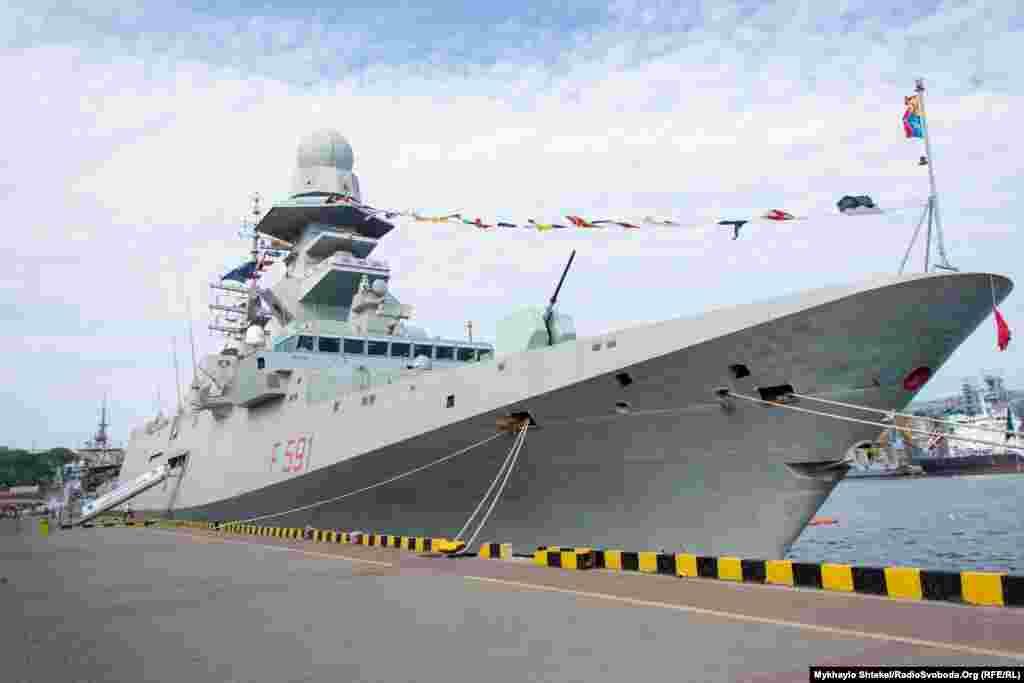 Італійський фрегат Virginio Fasan(F 591) – флагманський корабель постійної морської групи НАТО SNMG2. Він також бере участь в міжнародних навчаннях Sea Breeze-2021