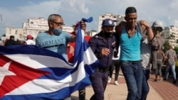 """""""Megvertek, mert sétáltunk az utcán"""" - tüntetés Kubában"""