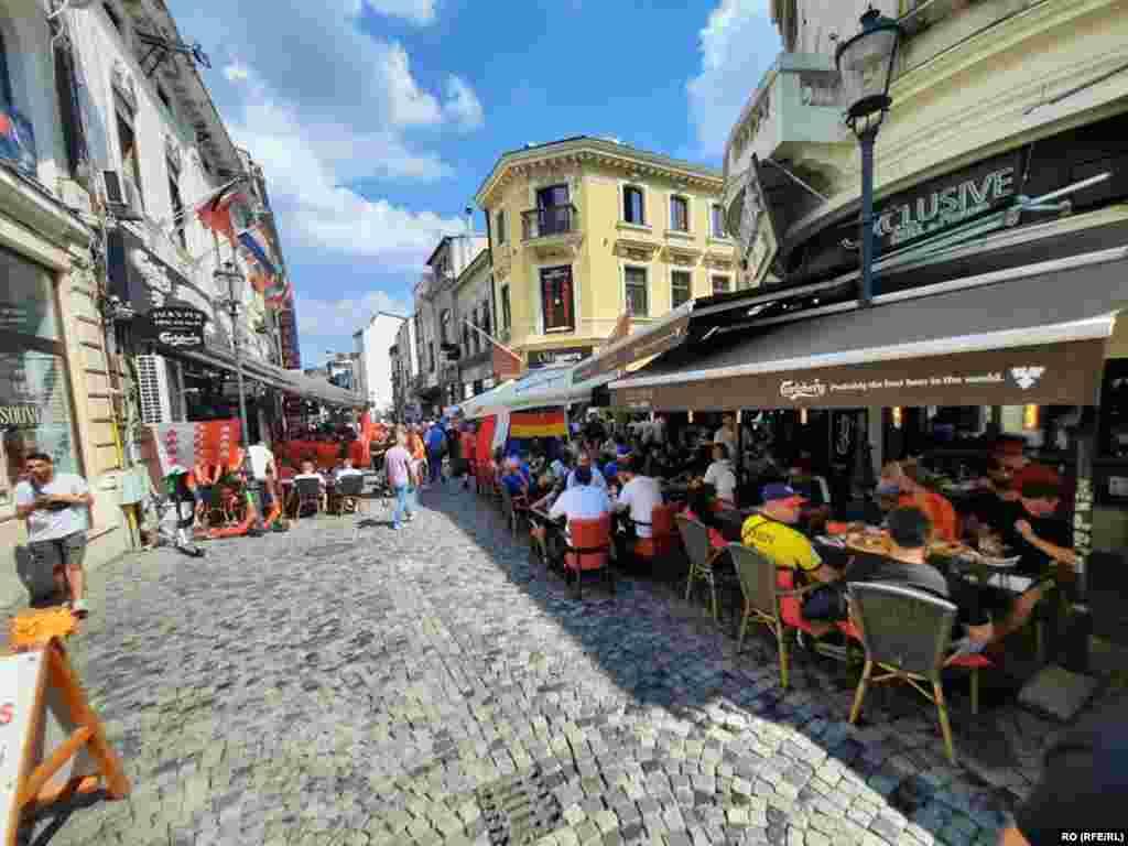 La București au venit circa 1.500 de suporteri francezi și 800 elvețieni.