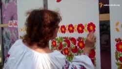 Скасований з міркувань безпеки фестиваль майстри Петриківки проводять самотужки