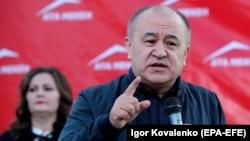 Лидер партии «Ата Мекен» Омурбек Текебаев.